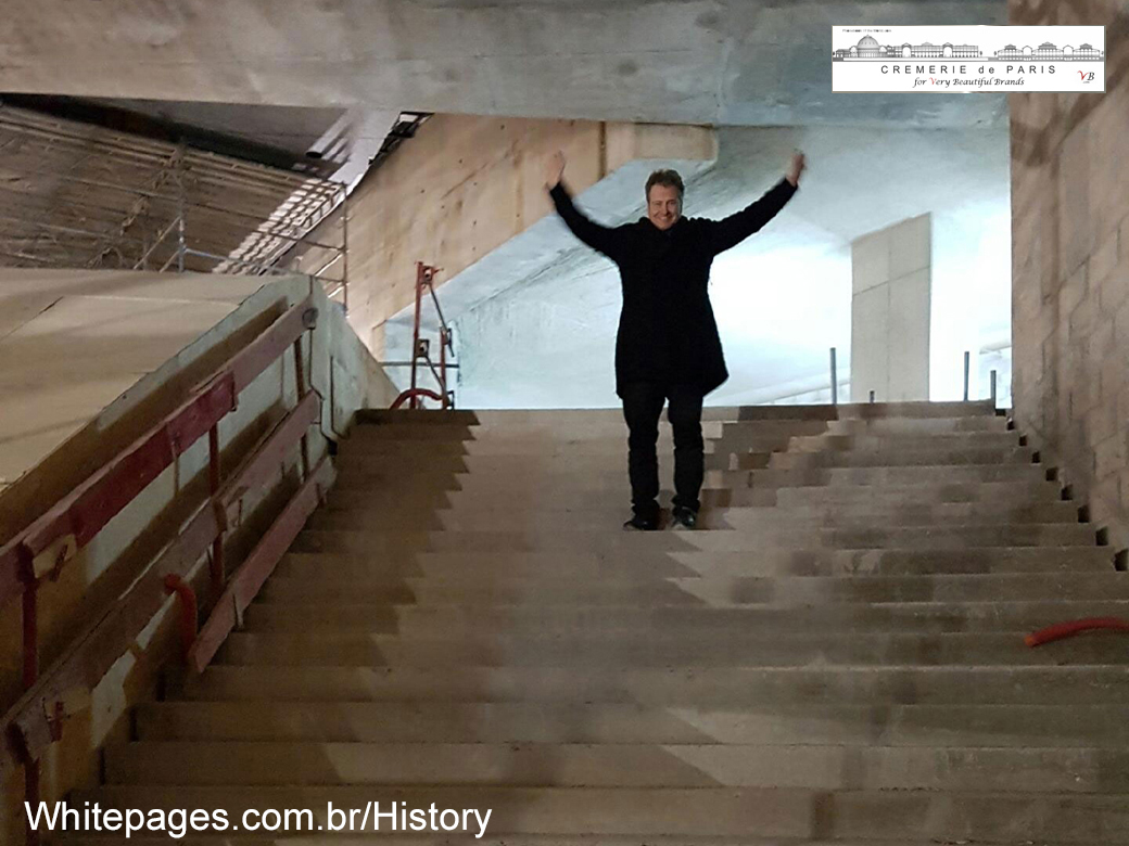 Ben von Solms on the future Metro staircase in front of the Cremeries de Paris, home of the Brazilian White Paris